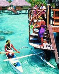 大溪地(Tahiti),又名塔希提岛,有爱之岛(Love Island)之称,是南太平洋上的波里尼西亚群岛118个岛中的最大之岛,是法属波里尼西亚国际机场和首府所在地。