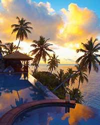 """塞舌尔是坐落在东部非洲印度洋上的一个群岛国家,由115个大小岛屿组成。塞舌尔与马尔代夫、毛里求斯共同被列为印度洋上的三大明珠,享有""""旅游者天堂""""的美誉。"""